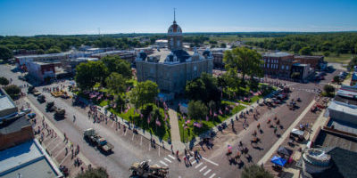 courthouse-parade